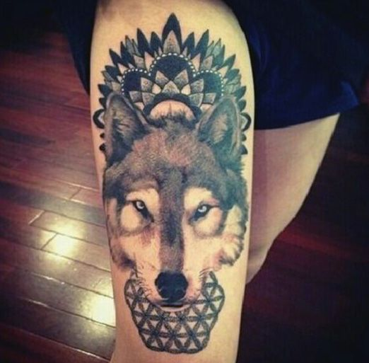 Wolf Men's Leg Tattoos