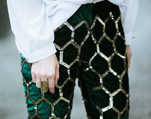 Now that's a hot pair of party pants! Statement!