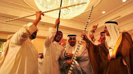 'Más radical que la sharia': saudí pide divorcio 2 horas después de la boda por una foto de su mujer.  La pareja había firmado un acuerdo prenupcial, que rezaba que la novia no podía publicar fotos en las redes sociales.  Tan pronto como se enteró de que su esposa envió fotos desde la ceremonia de la boda a sus amigas vía Snapchat, informa el periódico 'Daily Mail'. https://actualidad.rt.com/viral/221961-saudita-pedir-divorcio-dos-horas-foto