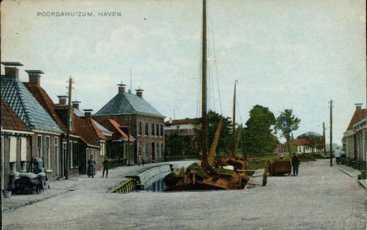 Roordahuizum, Haven - Uitg. W. Jellema, Manufacturen, Roordahuizum - poststempel 1920