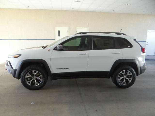 2014 Jeep Cherokee Trailhawk White