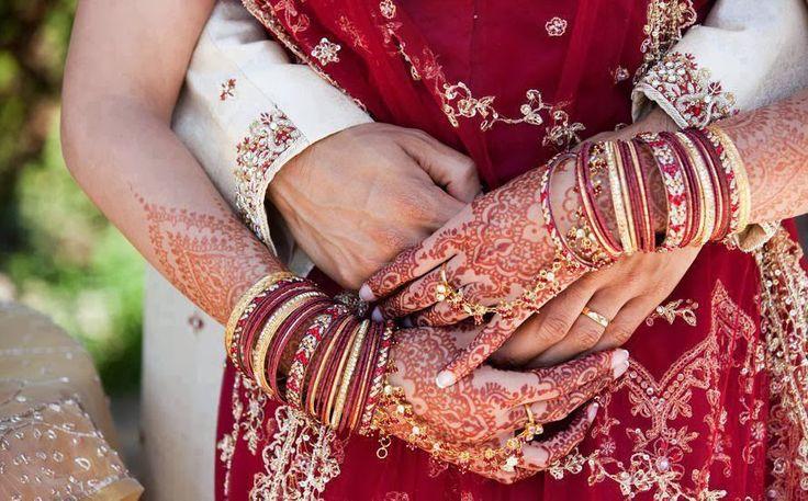 Sposarsi in India: Appariscente, coloratissimo e spettacolare, un vero matrimonio da fiaba!  L'India affascina per la sua cultura, la usa storia, le tradizioni, i colori, i sorrisi della sua gente ed i contrasti che ti accolgono già dal primo impatto. Oltre ad un viaggio è un esperienza che resterà nel cuore per sempre e cambierà i vostri occhi per vededere il mondo da un'altra prospettiva.