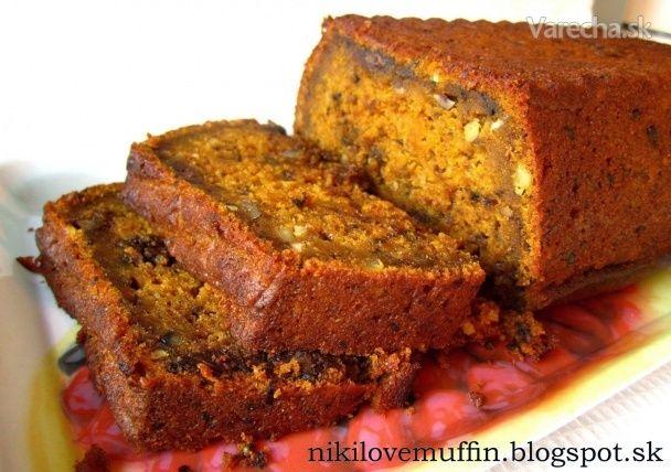 Tekvicový chlebík s kúskami čokolády a orechmi