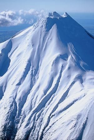 Mount Taranaki / Egmont, Egmont National Park, Taranaki, North Island, New Zealand - aerial