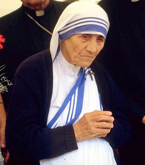 Teréz anya (1910-1997) Az albán származású Agnes Gonxha Bojaxhiu a 20. század legendás alakja. A szerzetesnő 1950-ben Kalkuttában megalapított a Szeretet Misszionáriusai nevű szerzetesrendet, árvaházakat, ingyenes beteggondozókat és szabadtéri iskolákat szervezett. A szegényekért és a betegekért végzett munkáját 1979-ben Nobel-békedíjjal tüntették ki.