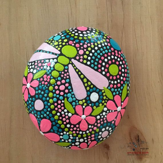 Painted Rock, Dragonfly Motif, Mandala Rock Art Design, Rock Art, Natural Stone…