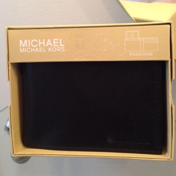 "Selling this ""MK Michael Kors Mens Wallet"" in my Poshmark closet! My username is: merluna. #shopmycloset #poshmark #fashion #shopping #style #forsale #MICHAEL Michael Kors #Clutches & Wallets"