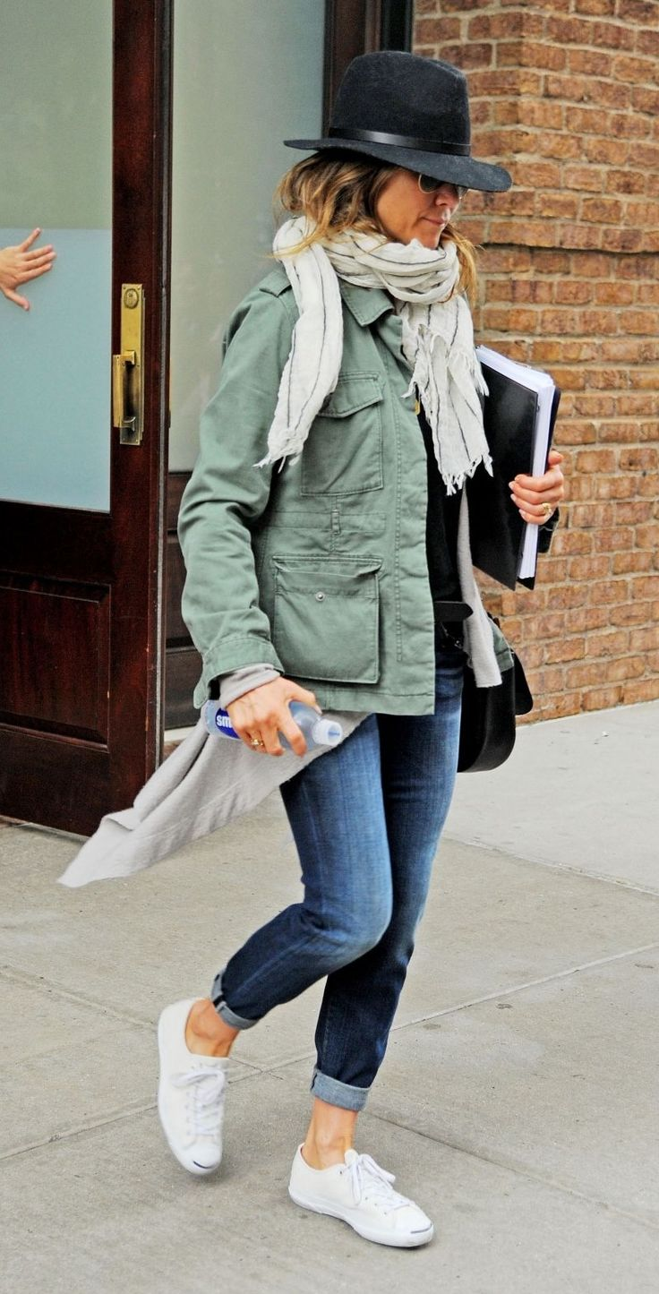 Jennifer Aniston leaving-her-hotel-in-new-york-city