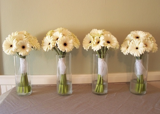 Simple daisy boquets, just need to add the accents