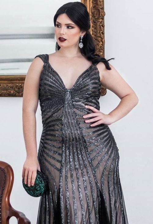 4fd0b7b132e61 Vestido de festa plus size  10 modelos para usar em 2019   festa ...