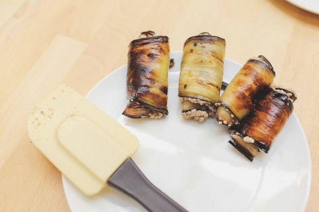 Жареные баклажаны в ореховом соусе по-грузински - KitchenMag.ru