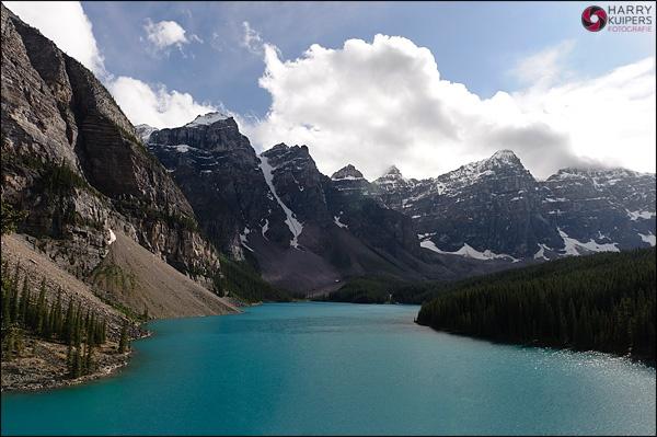 Ik ben hier vorige zomer geweest, maar wil graag nog een keer terug naar dit prachtige land: #Canada. Dit is een foto van #Moraine Lake.