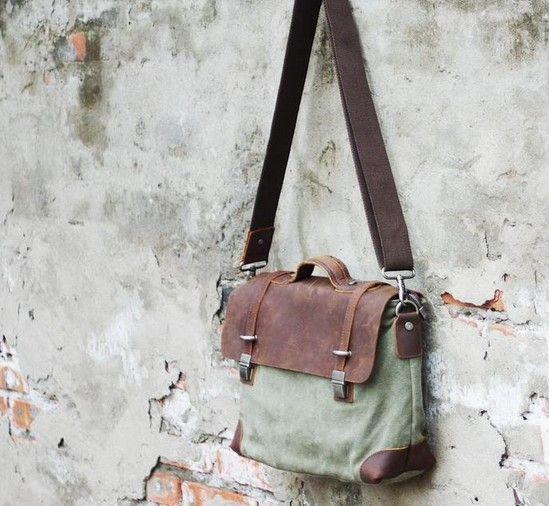 vintage messenger bag | http://fashion-mood.com/shop/