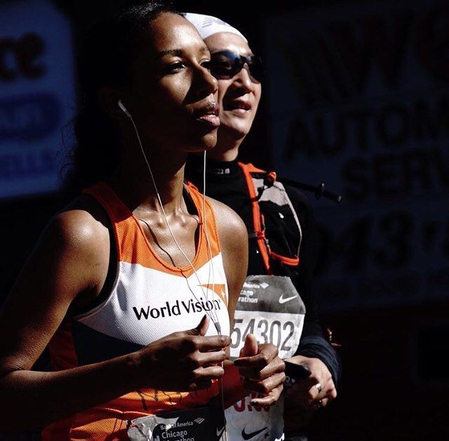 """If it's important to you you will find a way"""" - Runners focused and determined at the Bank of America Chicago Marathon . . . . . Follow us use hashtag #wonderfulrunning and join the movement . . . . . . . . .  @jd.photographic"""