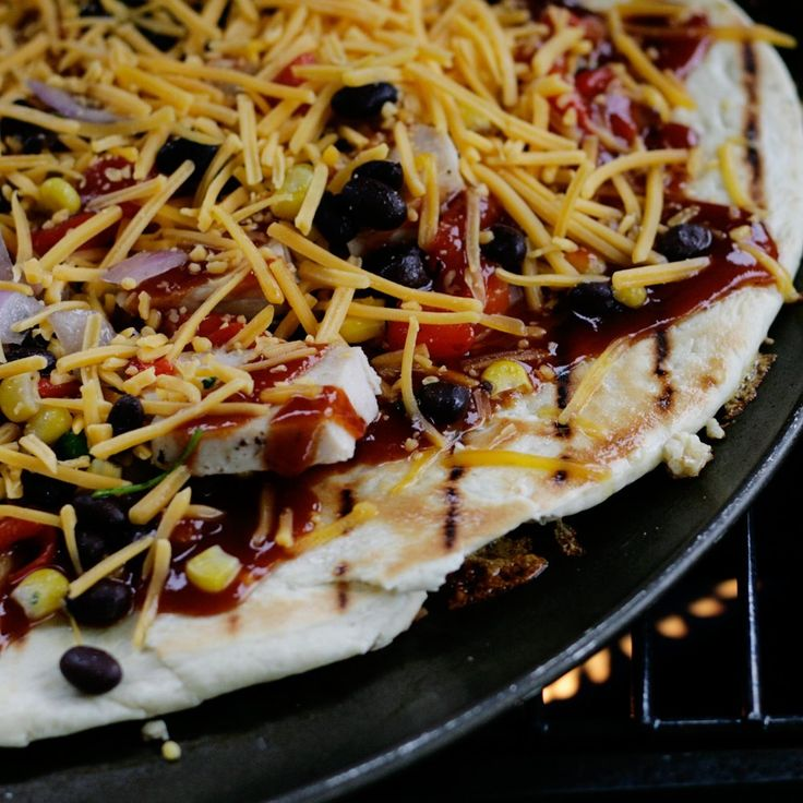 Southwest BBQ Chicken Pizza  PERFECT for game day all it needs is a bottle of Sutter Home Sweet Red
