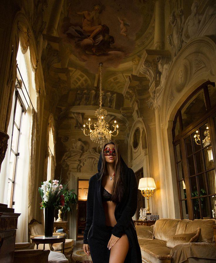 """Mawialniarz: """"Halloween 2015, Florencja, Włochy instagram.com/a_mavrin facebook.com/art.mavrin aleksandrmavrin@gmail.com"""""""
