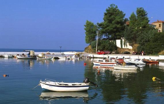 Le port d'Afissos