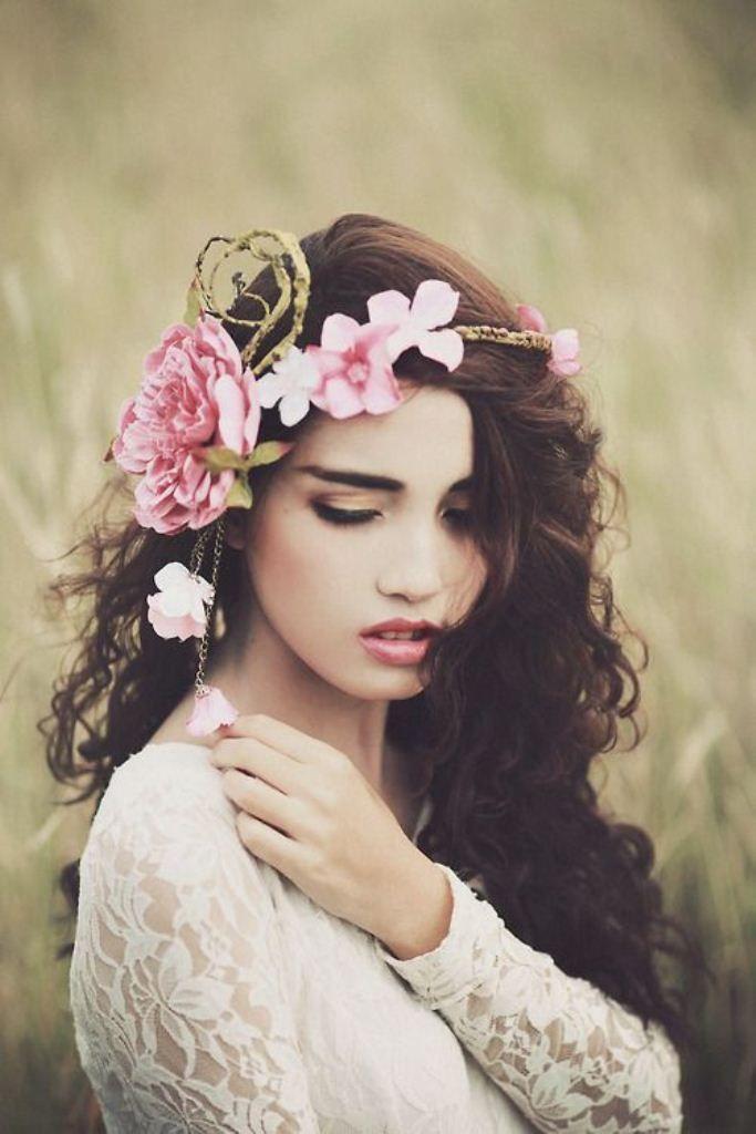 фотосессия с цветами в волосах