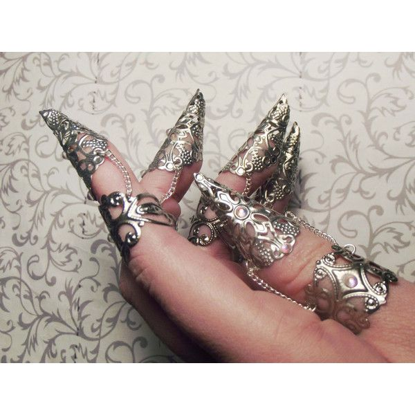 Faeri Queen Claw Armor Set of One, Two, or Five Claws ($59) ❤ liked on Polyvore featuring jewelry, rings, iridescent jewelry, filigree ring, claw jewelry, silver plated jewelry and claw ring