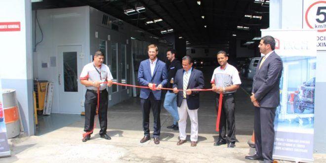 Inauguración del nuevo taller de chapistería y pintura de Excel Automotriz   A Son De Salsa