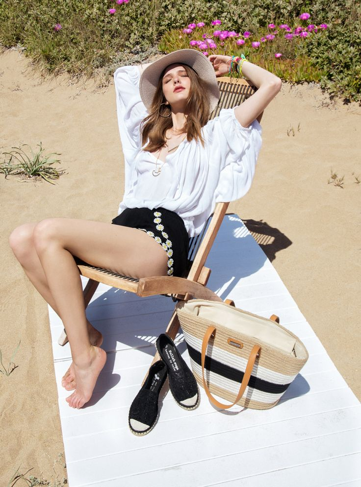 beach look _summer style _white blouse _daisy style
