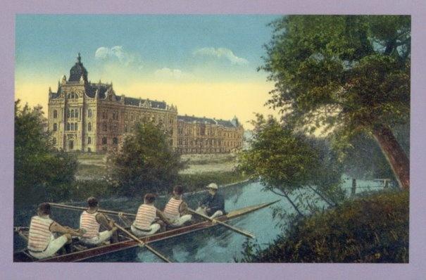 Timisoara - 1915 - Regionala de Cai Ferate si Spitalul CFR functioneaza pe Splaiul Tudor Vladimirescu, care s-a numit Begabalsor. Palatul a fost construit intre 1900 si 1906