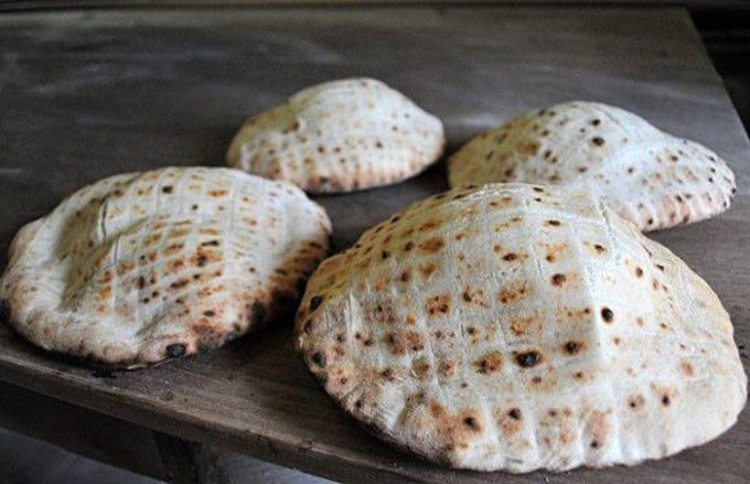 Nafouknutá chlebová placka z bývalé Jugoslávie