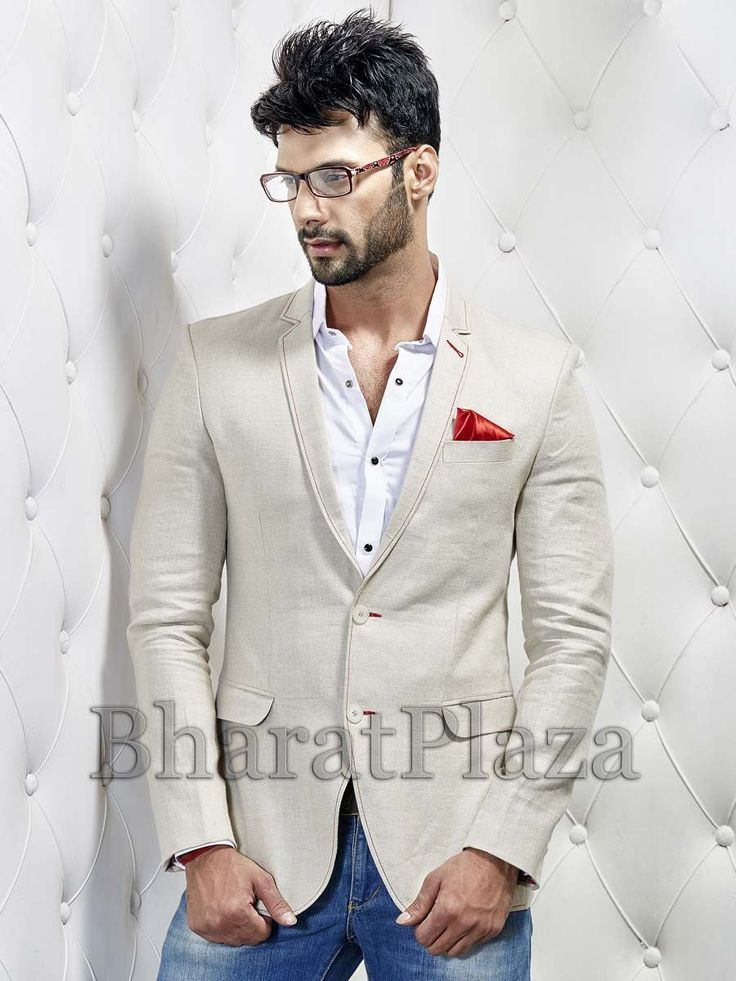 Luxurious cream color notched lapel linen blazer with pocket flap and two central buttons. Item Code: TSJY1390L http://www.bharatplaza.com/new-arrivals/mens-blazer.html