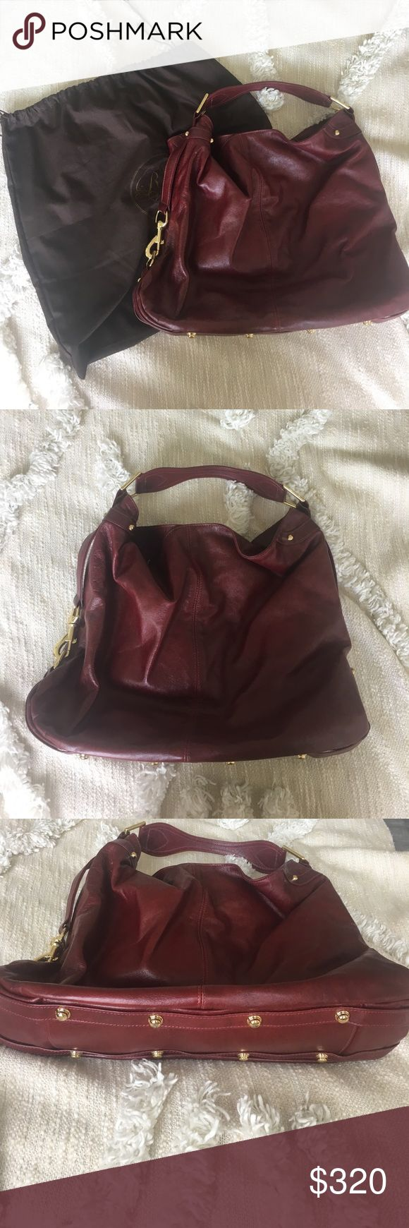// Rebecca Minkoff Nikki Handbag // Only worn a few times, in like new condition! Leather is in perfect condition, only one little stain as seen in the pictures inside the bag Rebecca Minkoff Bags Totes
