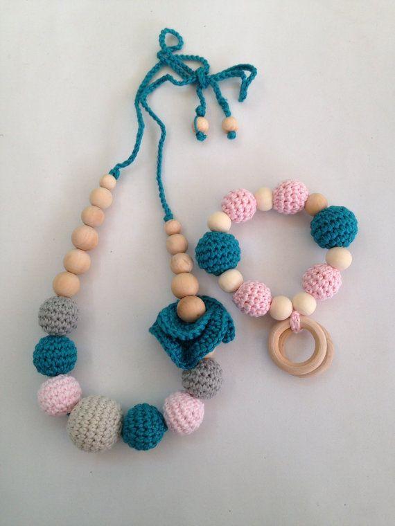 Conjunto de collar de lactancia y porteo  juguete por Trapitobebe