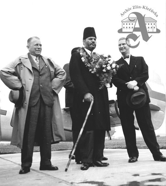 Hugo Vavrečka and Jan A. Baťa welcoming Indian Trade Minister at the airport in Otrokovice, 1937