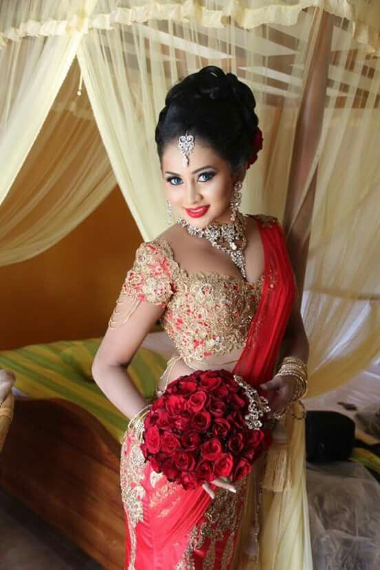 Pin By Mayura On Sri Lankan Brides And Bridesmaids