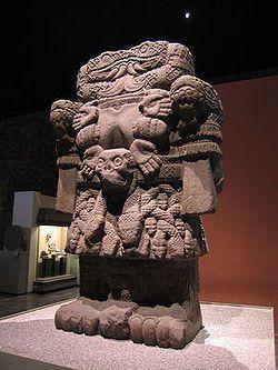 COATILICUE é, na mitologia asteca, a deusa da vida e da morte, mãe dos deuses, da lua e das estrelas.