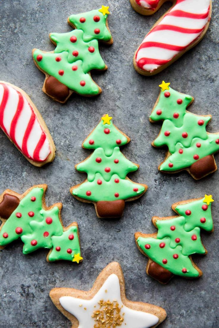 Create beautiful decorated Christmas sugar cookies with