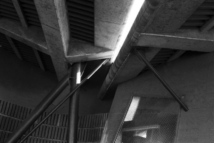 Galeria de Clássicos da Arquitetura: Estande de Tiro com Arco Olímpico / Enric Miralles & Carme Pinos - 4