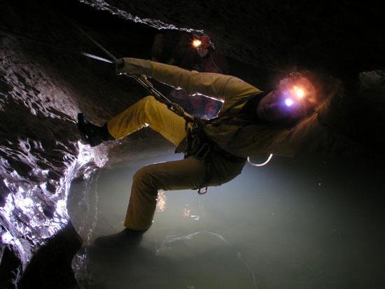 http://www.rajzazitku.cz/3-adrenalin/380-speleo-canyoning.htm