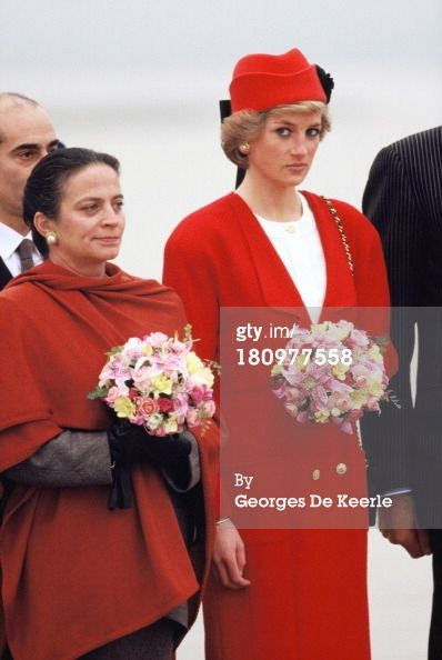 November 7, Princess Diana arrives at Orly airport in Paris, France for a five-day visit.  (Photo by Georges De Keerle/Getty Images)