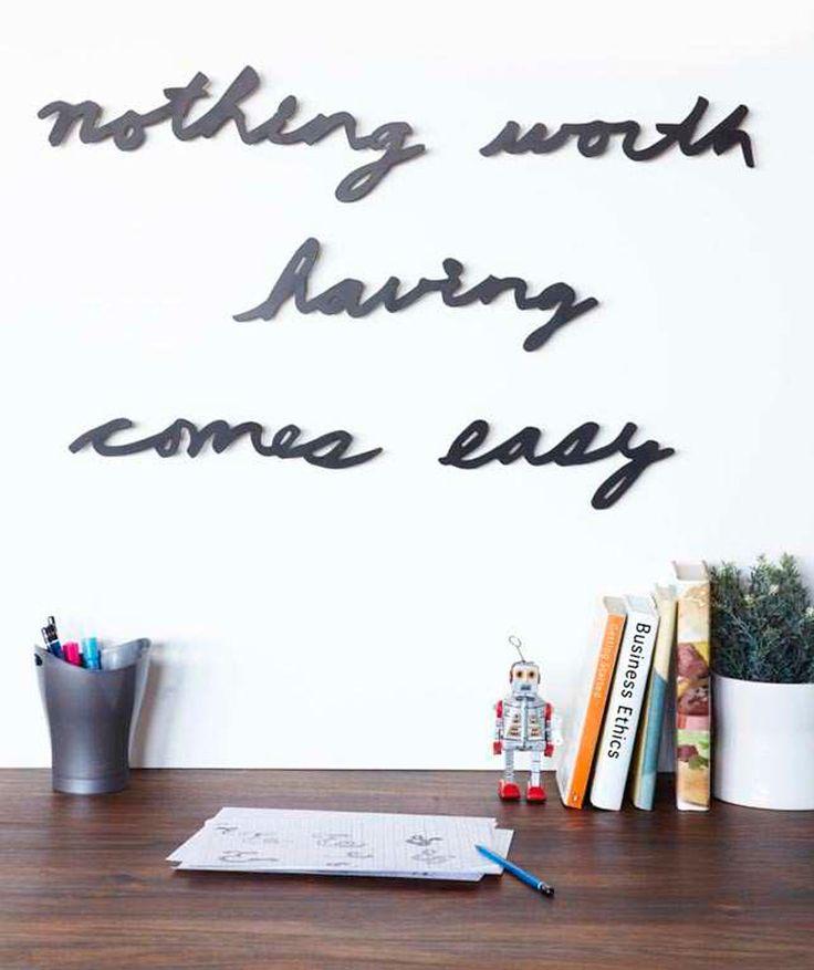 Nothing worth having comes easy (Nada que valga la pena es fácil) - Mantra para pared, frases inspiradoras. $80.000 COP. Cómpralo aquí--> https://www.dekosas.com/productos/hogar-decoracion-dekosas-umbra-mantra-easy-detalle