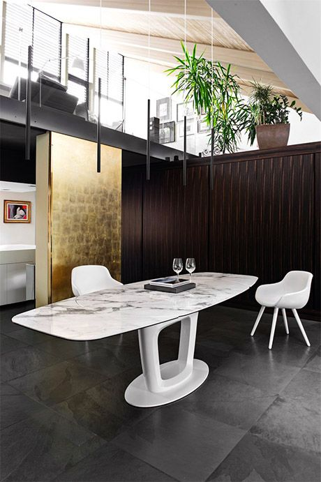 Calligaris | Orbital Extending Dining Table | Available in a number of finishes.