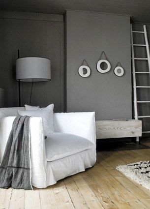 ●Gris et blanc.: Grey Interiors, Wall Colour, Wallcolour, Chairs Benches, Wall Color, Living Room, Grey Wall, Gervasoni Ghosts, Gray Wall