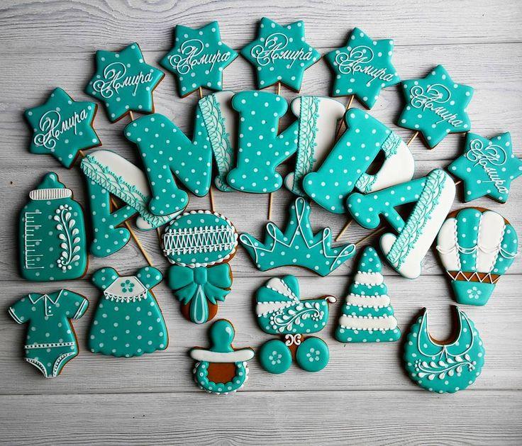 Красивый наборчик) Чищу свой телефон и перехожу на новый😍 Надеюсь качество фото будет лучше😄 〰〰〰〰 Все буквы можно посмотреть здесь 👉#gbvika_буквы #gbvika_детки 👈 〰〰〰〰 #имбирныепряники #пряники #козули #сладкийстол #candybar #cookies #royalicing #казахстан #павлодар  #pvl #love
