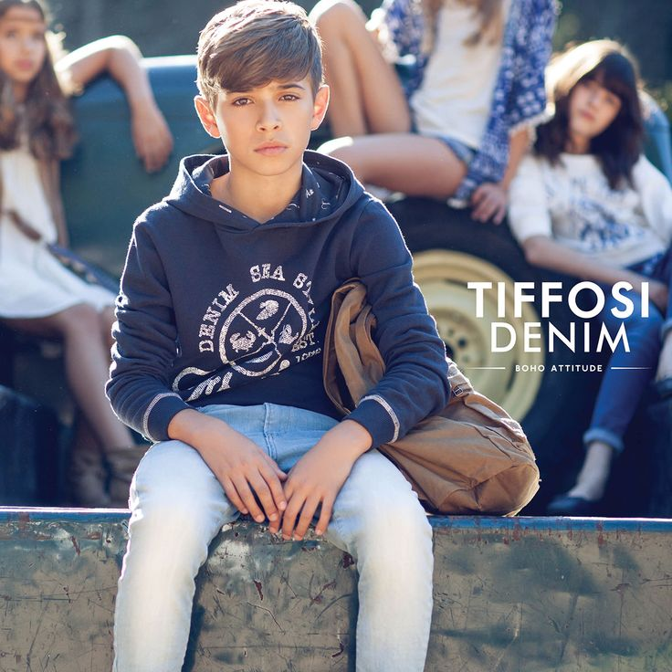 New In - Boy Collection - Get the look Hoodie - http://www.tiffosi.com/hoodies-67958.html Jeans - http://www.tiffosi.com/jeans-tapered-66539.html Sapatilhas - http://www.tiffosi.com/com-forro-estampado-66036.html Mochila - http://www.tiffosi.com/carteira-62941.html #tiffosi #tiffosikids #newin #newcollection #boycollection #kids #musthave #getthelook