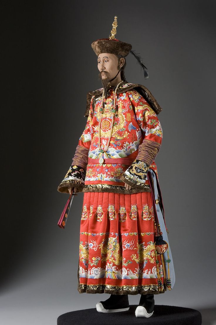 Kang Hsi was the fourth Emperor of the Qing Dynasty, the first to be born on Chinese soil. He was the second Qing Emperor to rule over China from 1661 to 1722