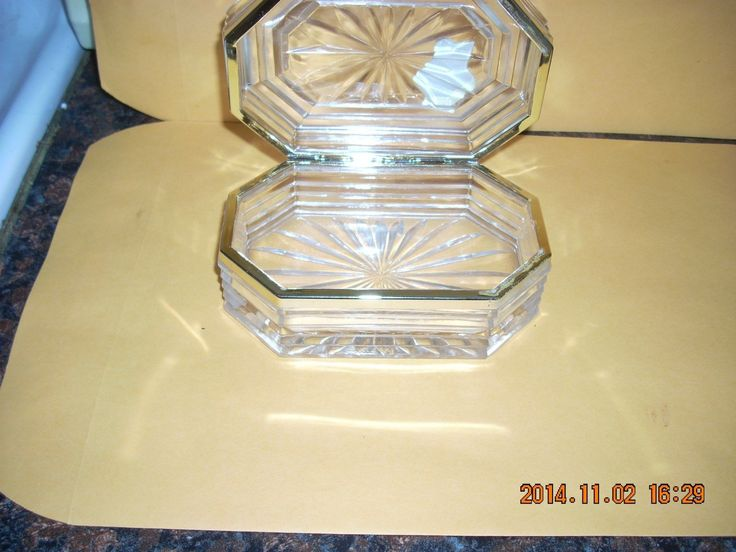 """BLEIKRISTALL LEAD CRYSTAL HINGED COVERED CANDY DISH GOLD TRIM ANNA HUTTE W GERMANY APPROX DIMENSIONS ARE 5 1/4"""" X 3 3/8"""" X 2 1/4"""" FEEL FREE TO ASK ANY QUESTIONS THANK YOU FOR CHECKING OUT THIS LISTING 