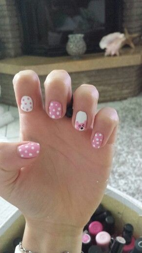 Pois and teddy nails