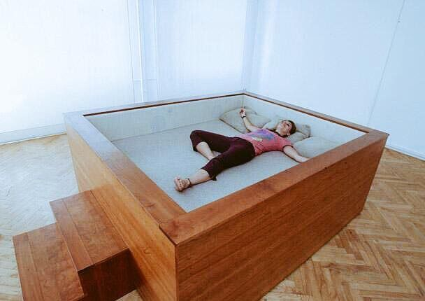 Itu0027s not a bed, itu0027s a sleeping pit and you need it in your - schlafzimmer weiß massiv