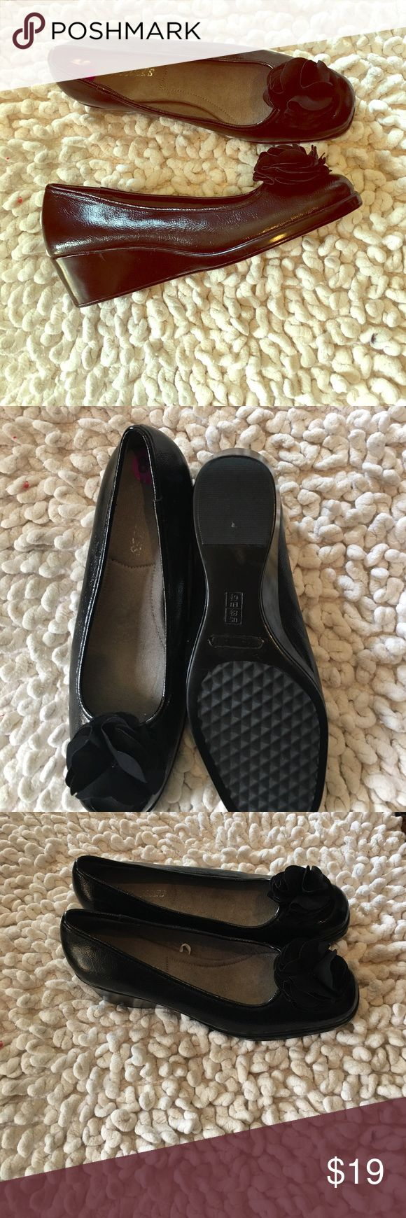Aerosoles low wedge loafer A low wedged heel loafer by Aerosoles... like new.. excellent condition.. AEROSOLES Shoes Flats & Loafers