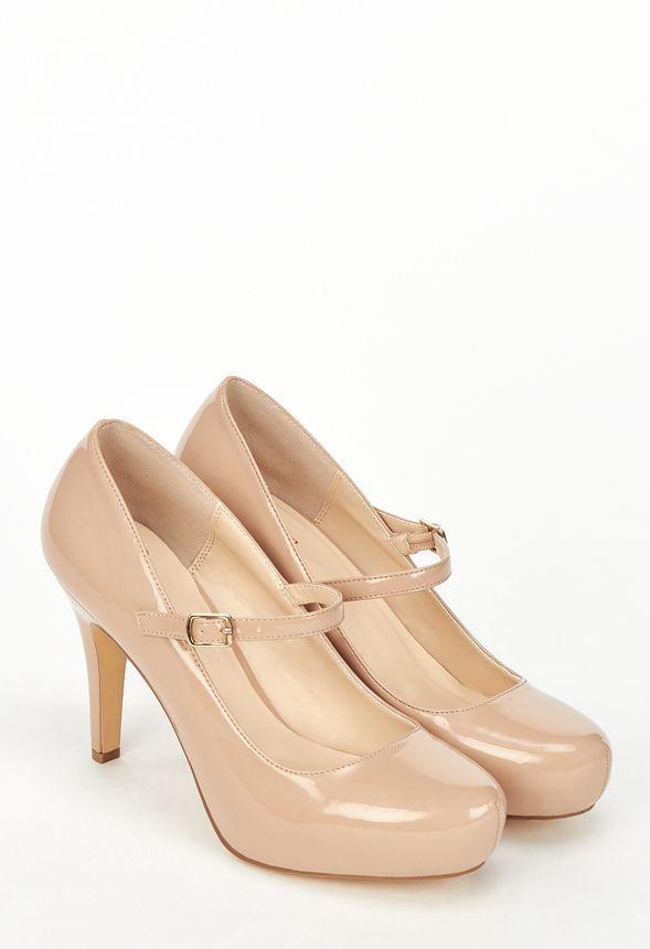 Klassisch und damenhaft - die perfekte Kombination für Pumps! Dieser wunderschöne Mary Jane Schuh verfügt über einen Knöchelriemen und ein verstecktes Plateau....