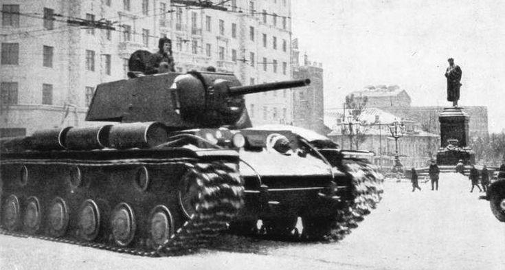 Tanque KV-1 durante la Batalla de Moscú.
