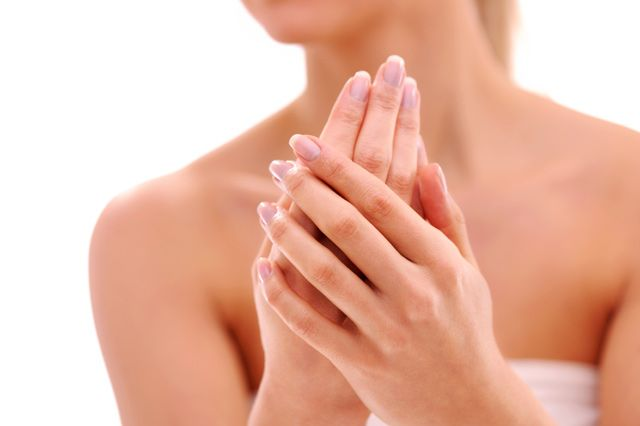 Healing Eczema Naturally  1. Avocado and aloe vera can be uses topically on a break out to help moisturize and heal the skin.